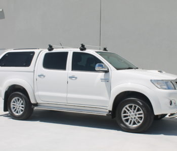 Toyota Hilux white (2)